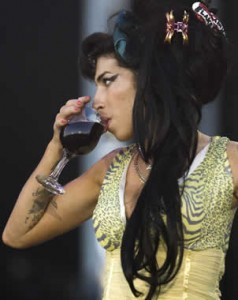 Amy Winehouse sigue con su rehabilitación por amor
